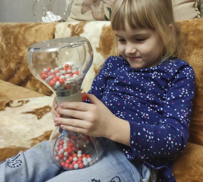 фото: Игрушка-головоломка пенсионера из Ростовской области бросает вызов интуиции по всему миру