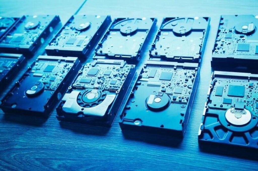В Москве исчезают с прилавков HDD и SSD диски