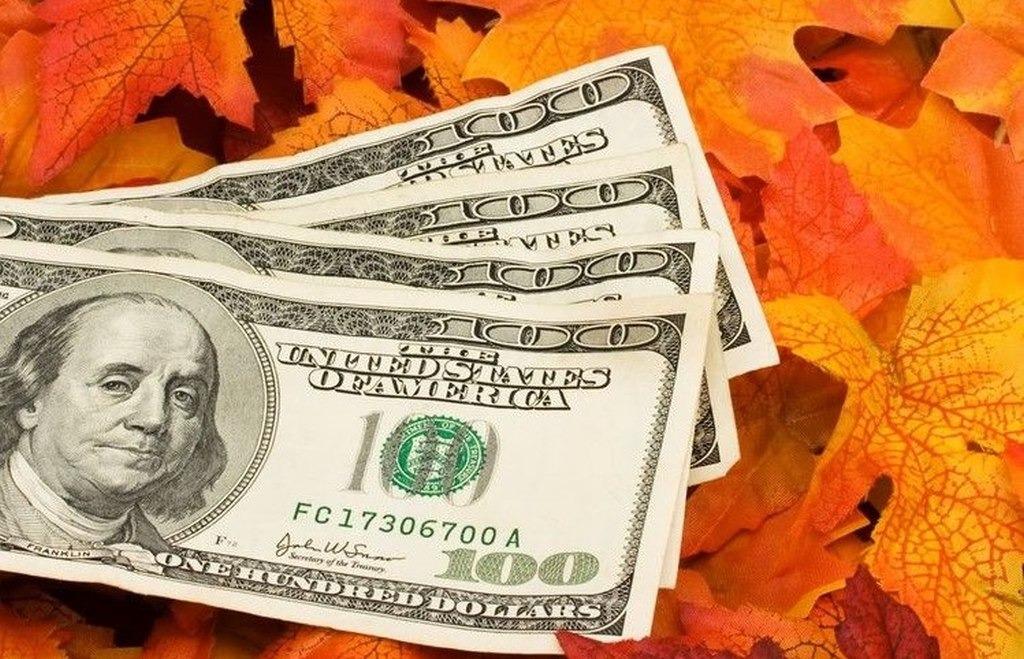 В сентябре инвесторы отдали предпочтение сырьевым фондам
